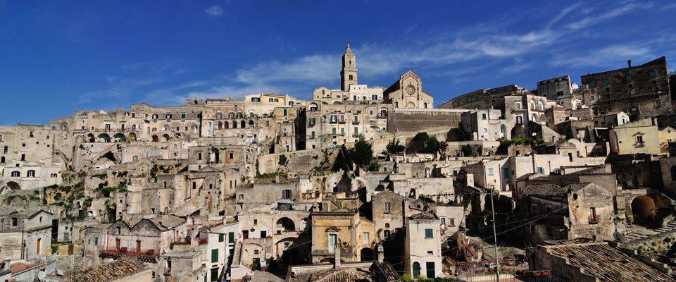 tour di gruppo a Matera città della cultura chiamata anche la città dei sassi per un esperienza straordinaria
